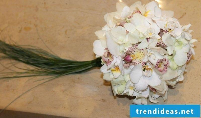 bouquets white