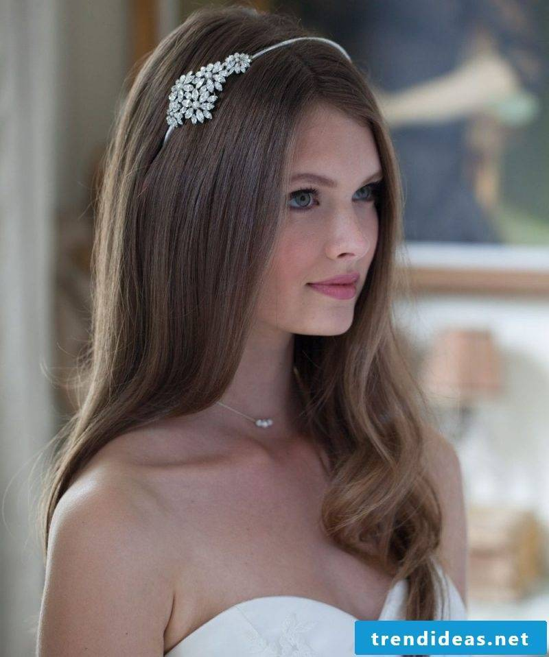bridal hair accessories discreetly