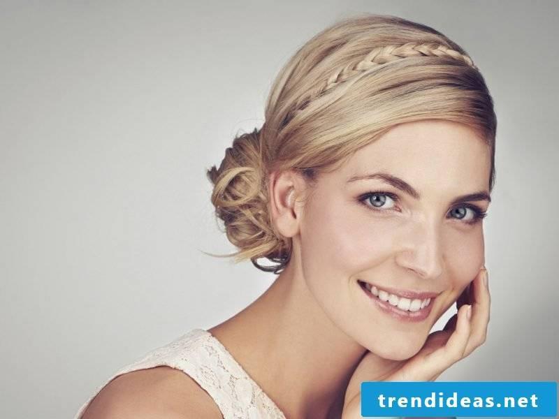 Bridesmaids hairstyles simple braiding hairstyle