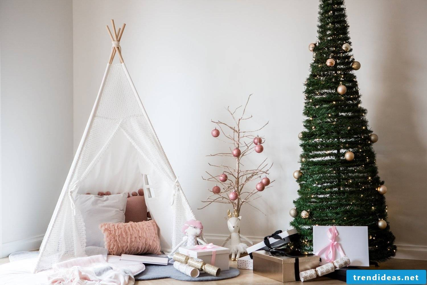 Read our cool sewing ideas for beginners for a teepee tent - a real oasis of well-being, where your child will feel safe, happy and free.