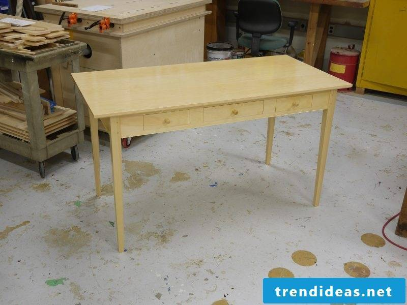 Desk yourself build instruction desk from wooden diy furniture