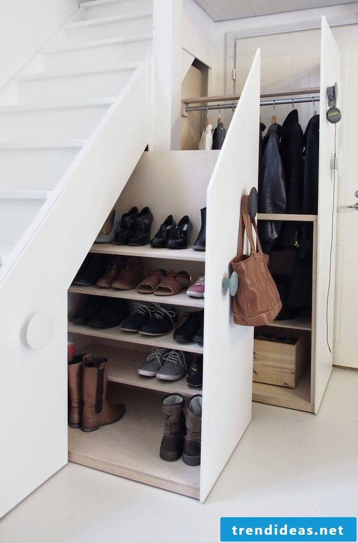 Wardrobe under the stairs - the perfect solution for the entrance area