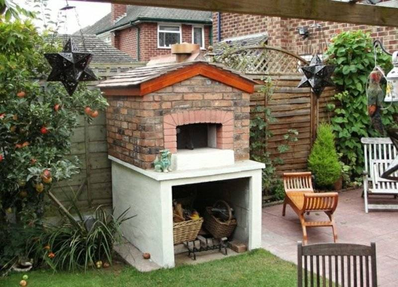 Garden design original barbecue and pizza oven
