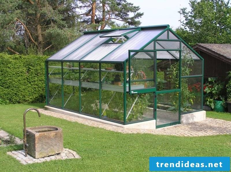 Greenhouse self-built modern look