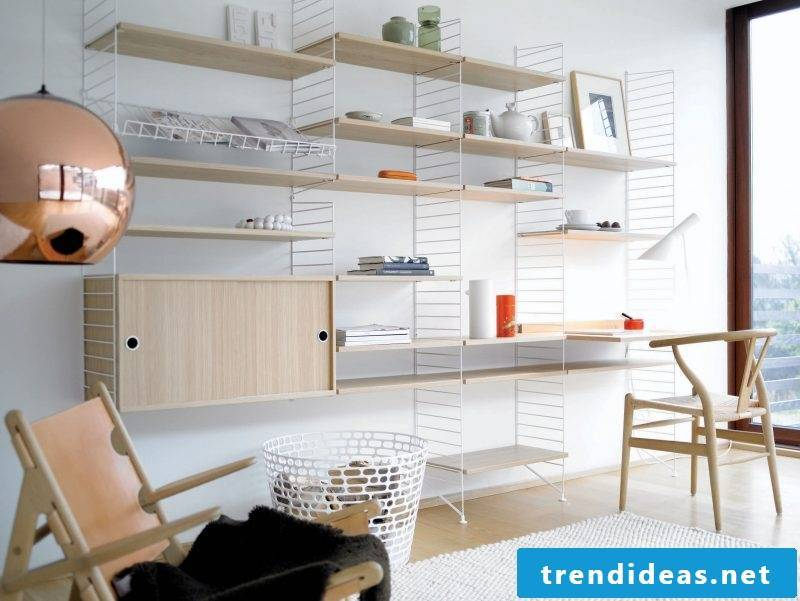 You always need more space in your study? The help comes from a wooden and metal shelf!