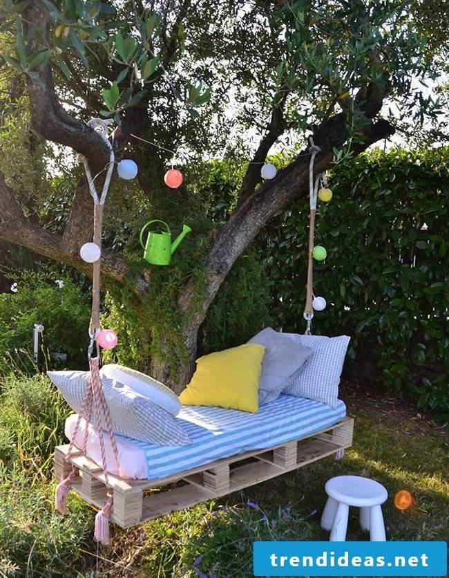 Lounger in the garden - make hanging bed yourself