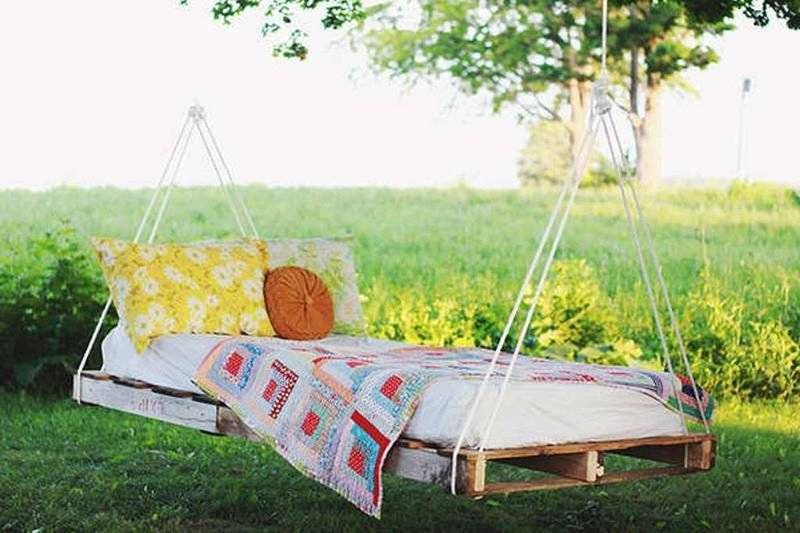 Sunbed in the garden - hanging bed Instructions