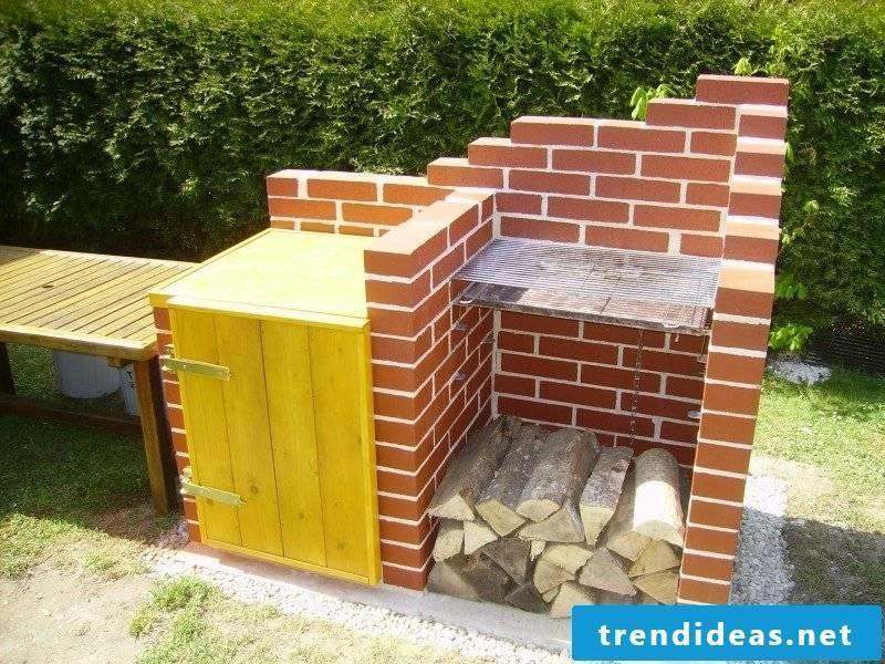 DIY barbecue made of fireclay bricks