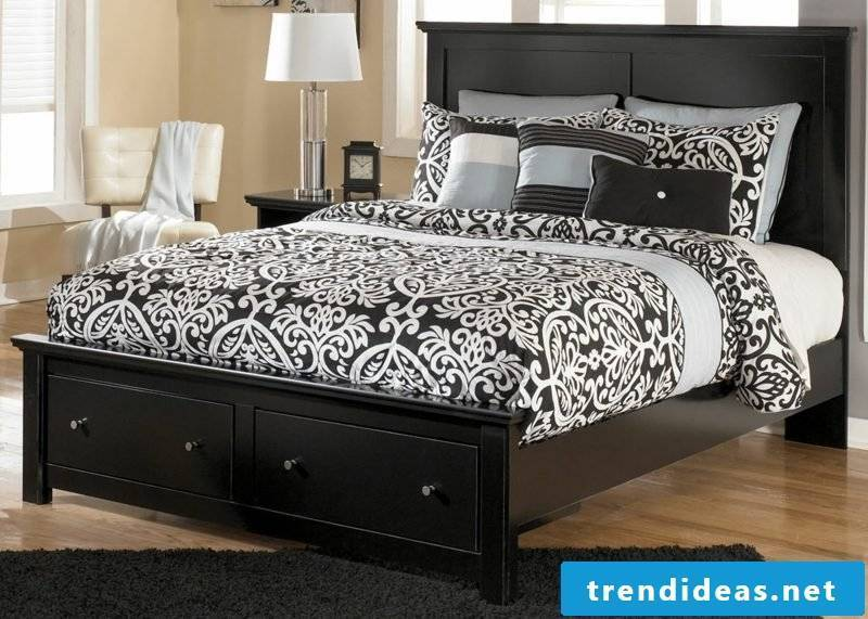 Buy bed Queen size bed in English