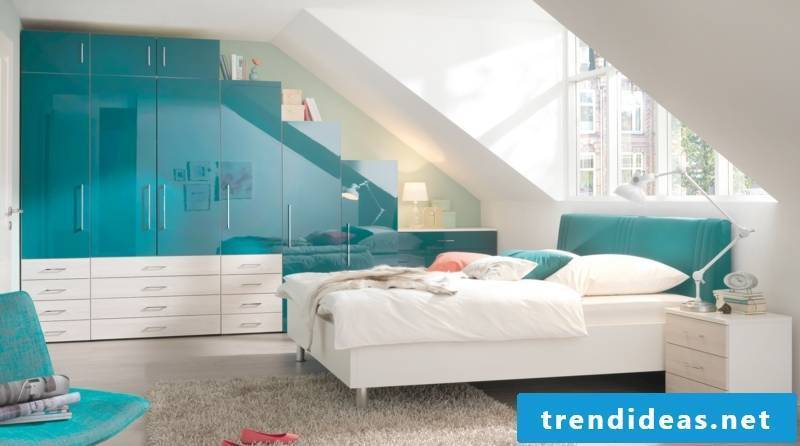 closet sloping bedroom ideas