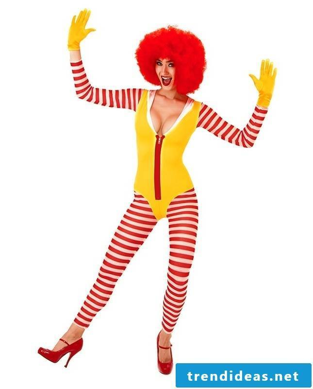 Clown make-up carnival costume