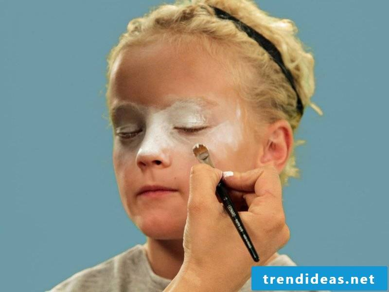 Children's clown make-up