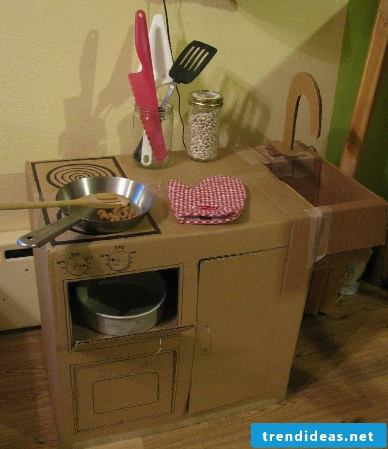 Build children's kitchen yourself: The toys are real
