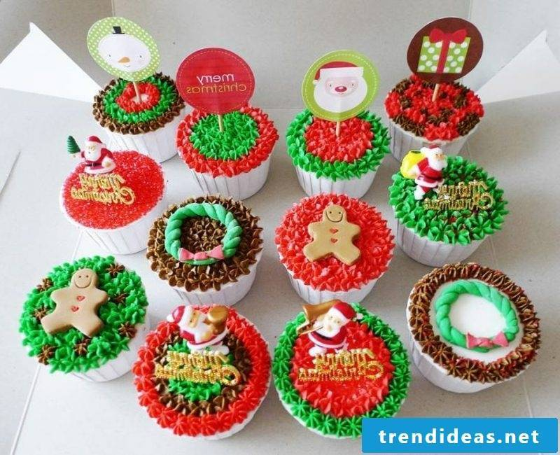 cool christmas cupcakes christmas ideas red green brown glaze cupcakes