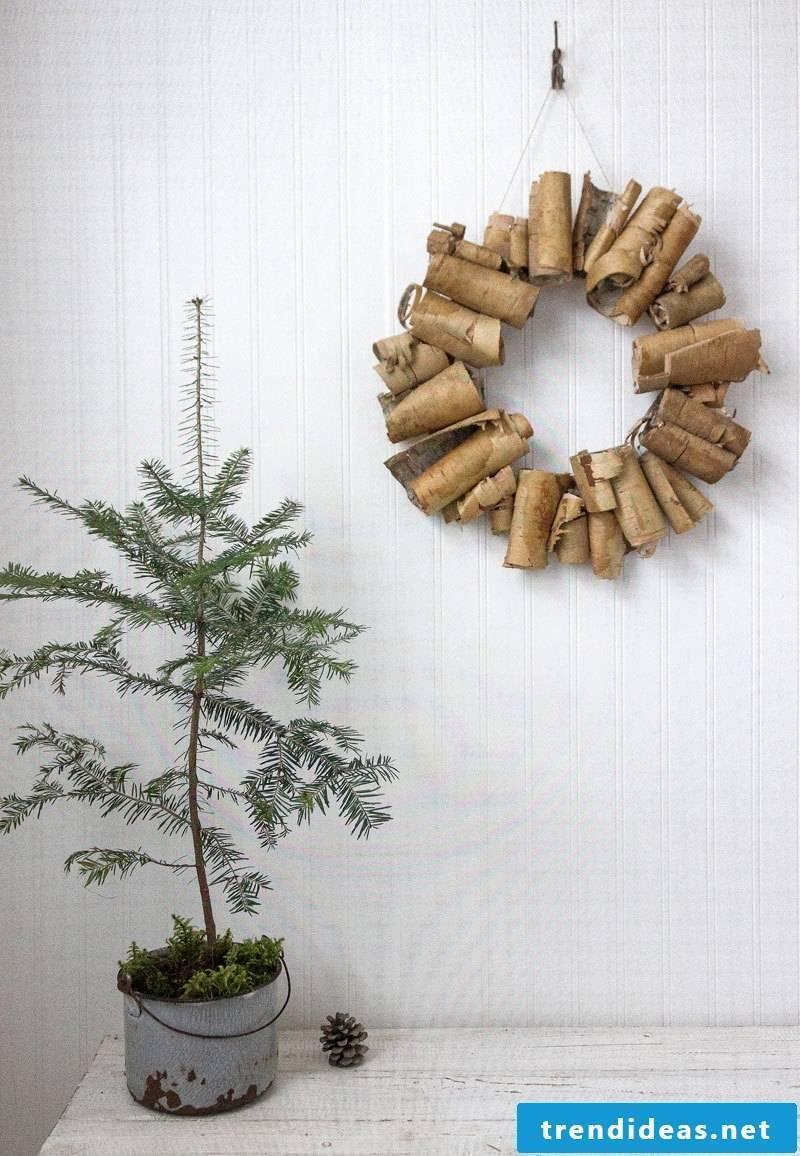 Door wreath of tree bark - very interesting