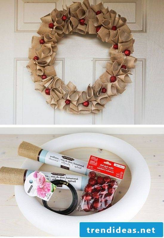 Totally simple and beautiful door wreath