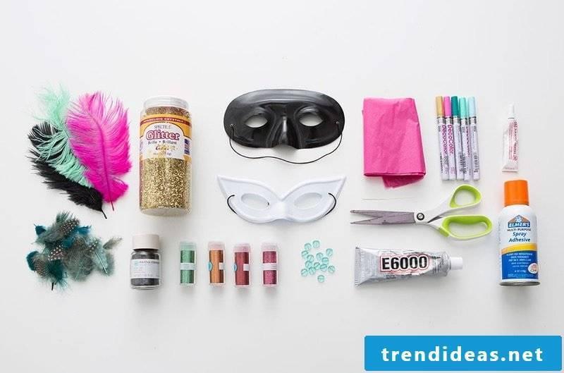 Masks make face masks themselves make instructional materials