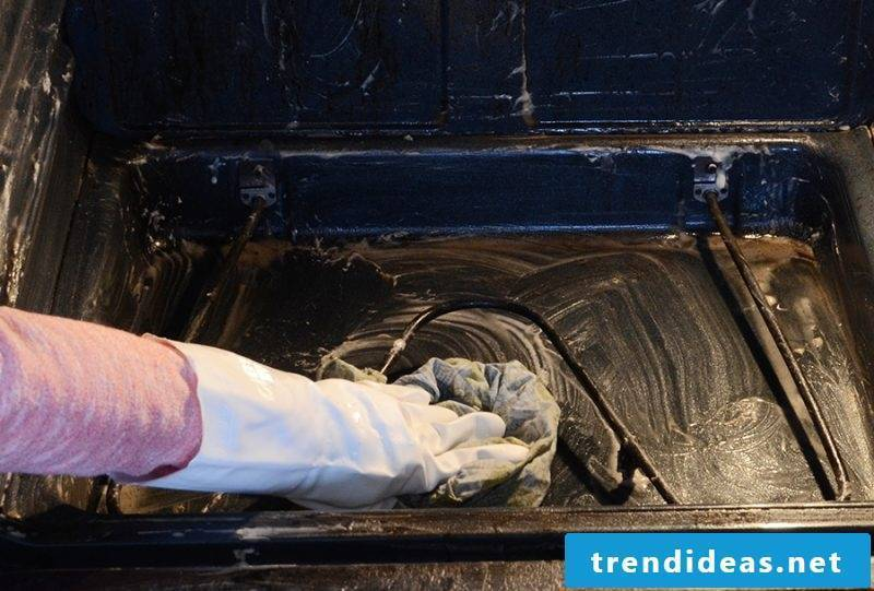oven cleaning baking powder baking tray cleaning oven cleaning with baking powder tips