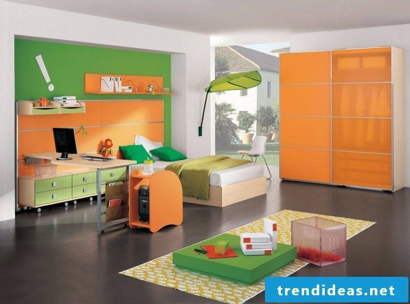 Which colors match Orange Green