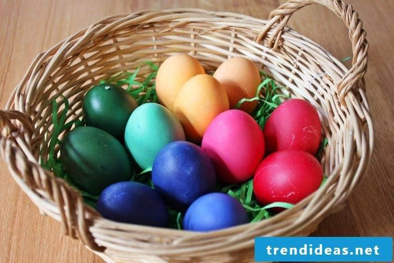 eggs color symbolically