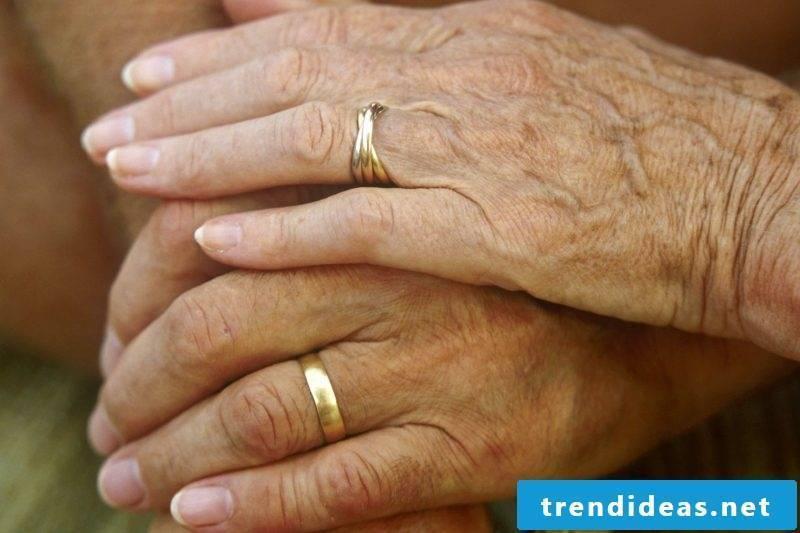 Wedding anniversary gift golden wedding
