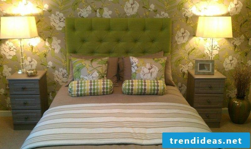 Boxspring bed bedding-upholstered floral motifs