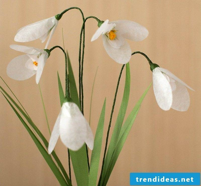 Crafting ideas Spring snowdrops made of paper