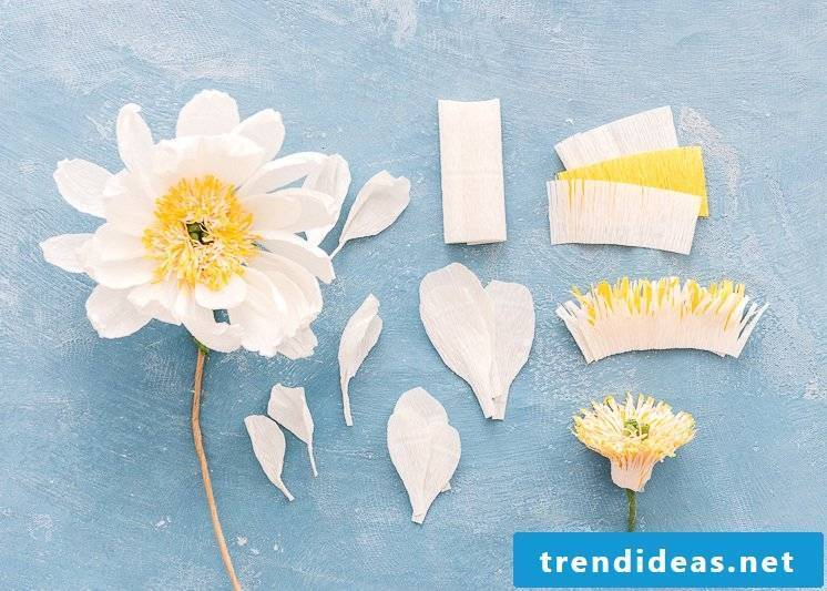 Nice crafting ideas for the wedding: make easy instructions for paper flowers
