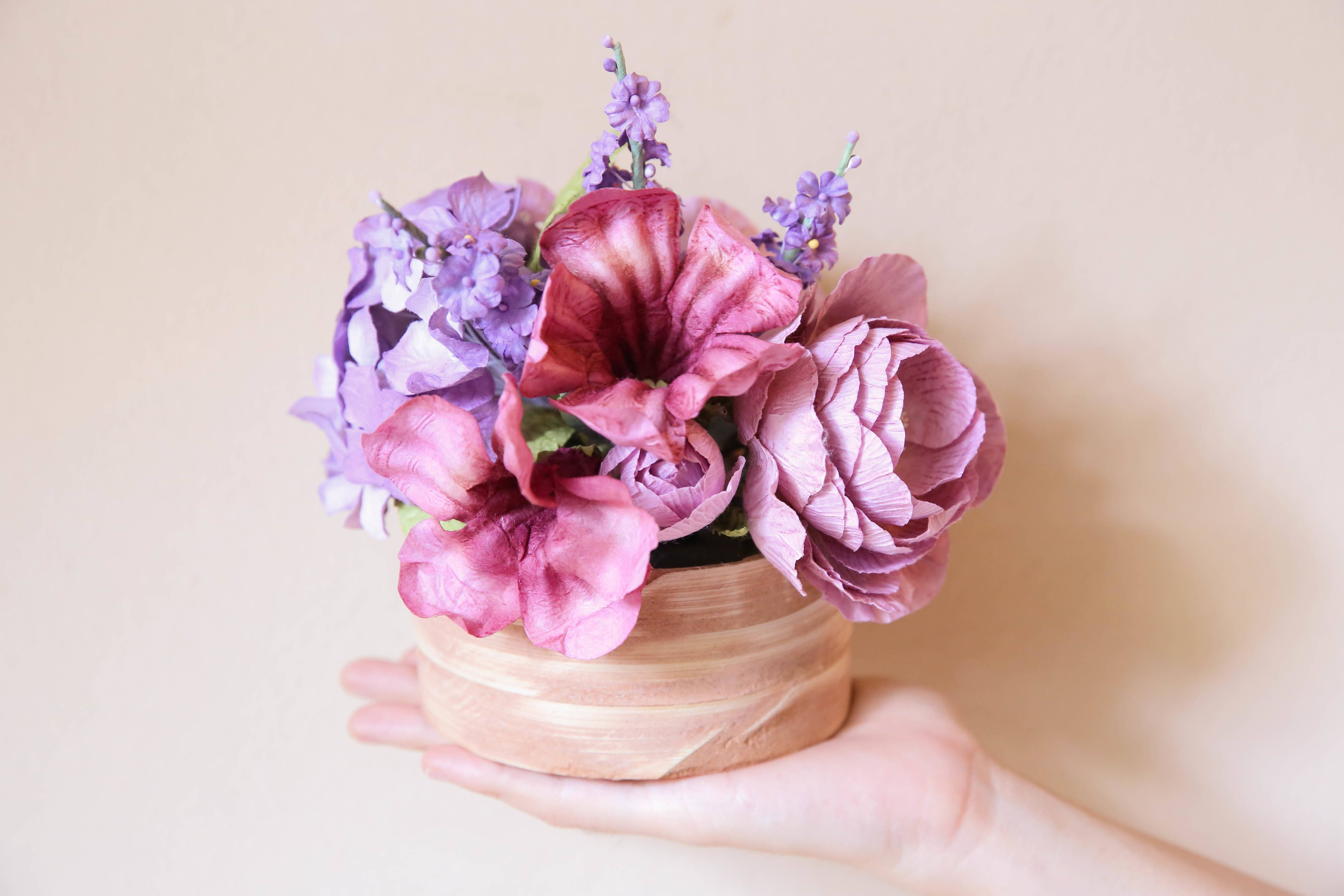 Mother's Day Gift Ideas: Crepe paper flowers