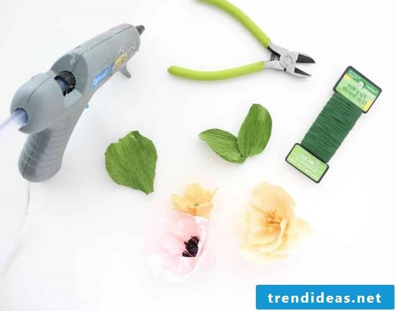 DIY flowers made of crepe paper