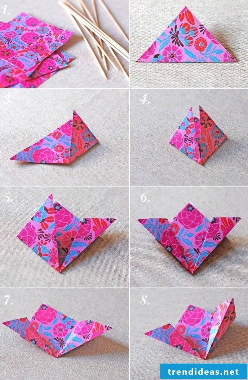DIY ideas flowers fold from wrapping paper