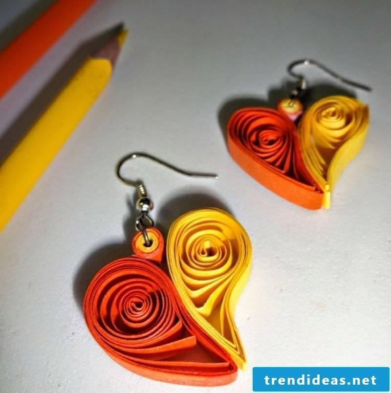 Birthday present make earrings from paper strips