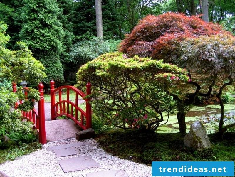 Create a stone bed to create a Japanese style of the garden
