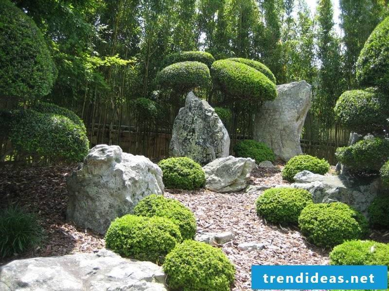 Creating a stone bed: Insert large stones