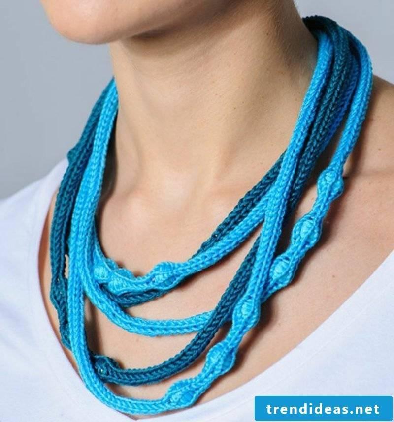 DIY crafts with Strickliesel jewelry