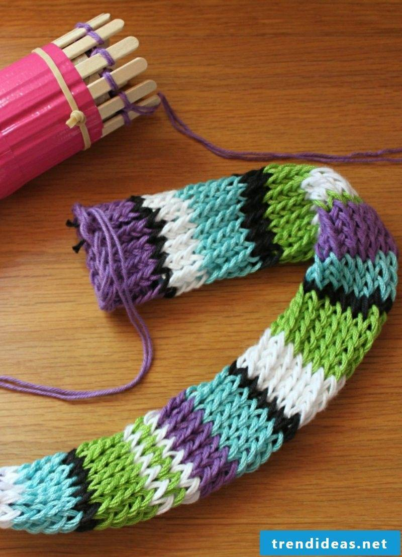 Knit scarf with knitted fabric