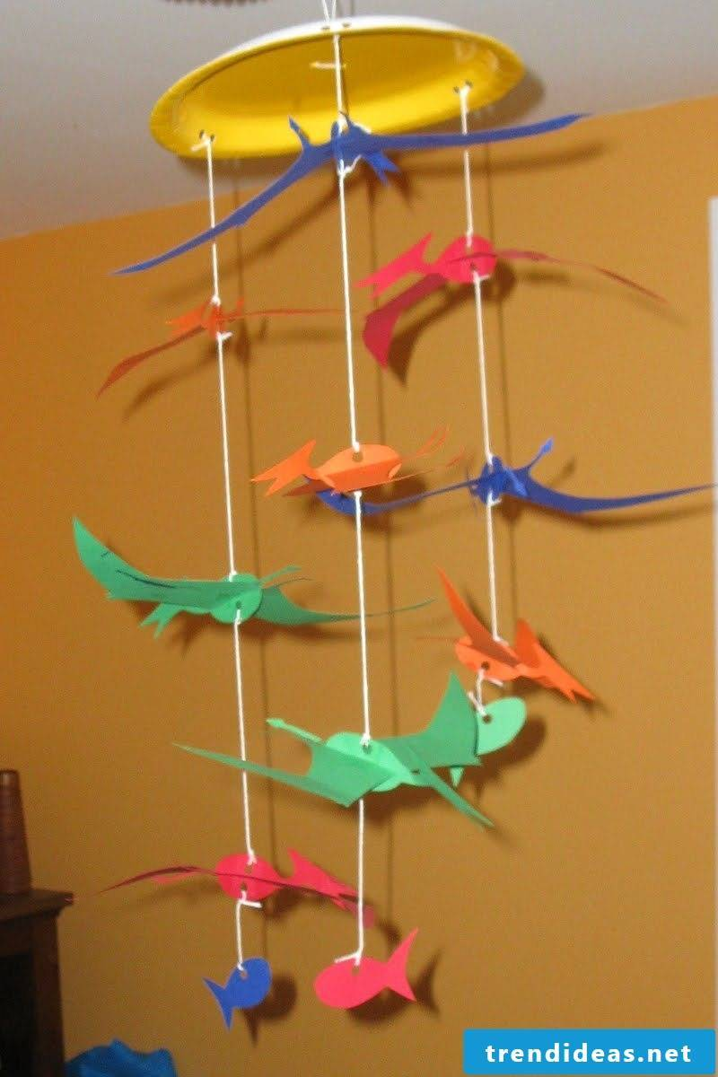 Children's mobile from paper plate