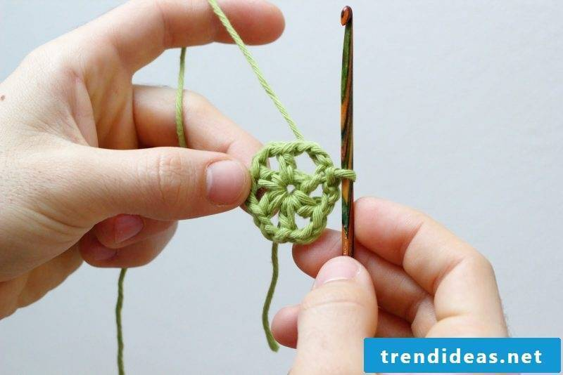 Crochet for Christmas snowflakes instructions