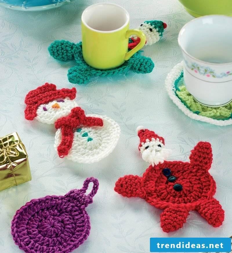 Crochet for Christmas table decoration