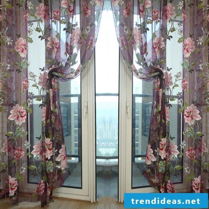 nice fresh curtains with great flowers