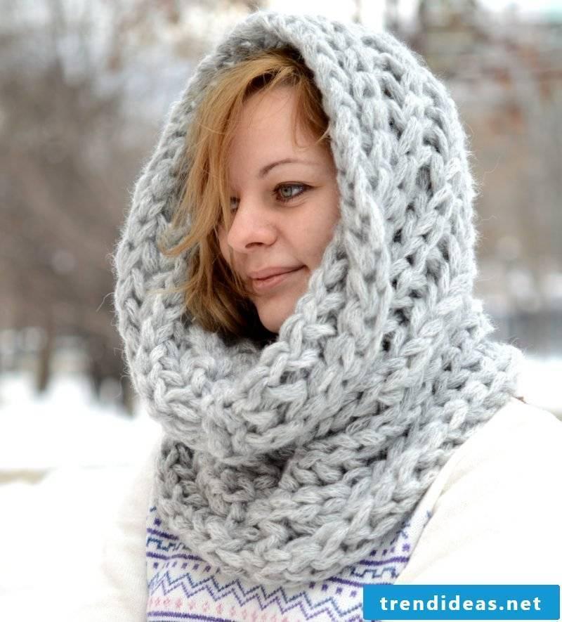 Loop scarf tie design