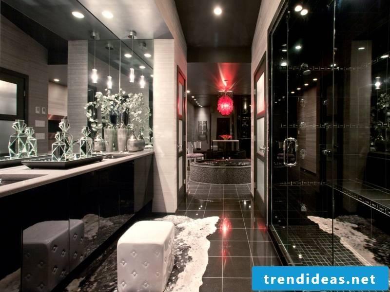 dark ceiling in the luxurious bathroom