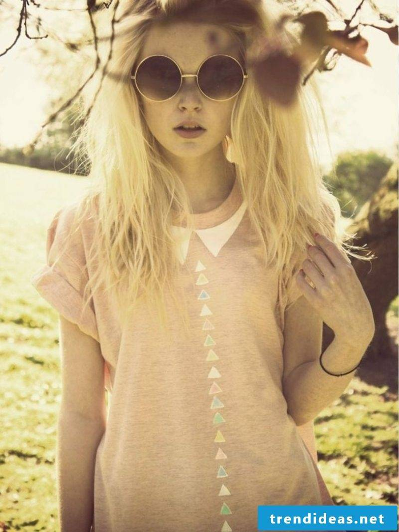 modern T-shirt triangles in pastel colors