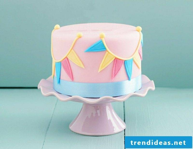 Decorate pies with fondant