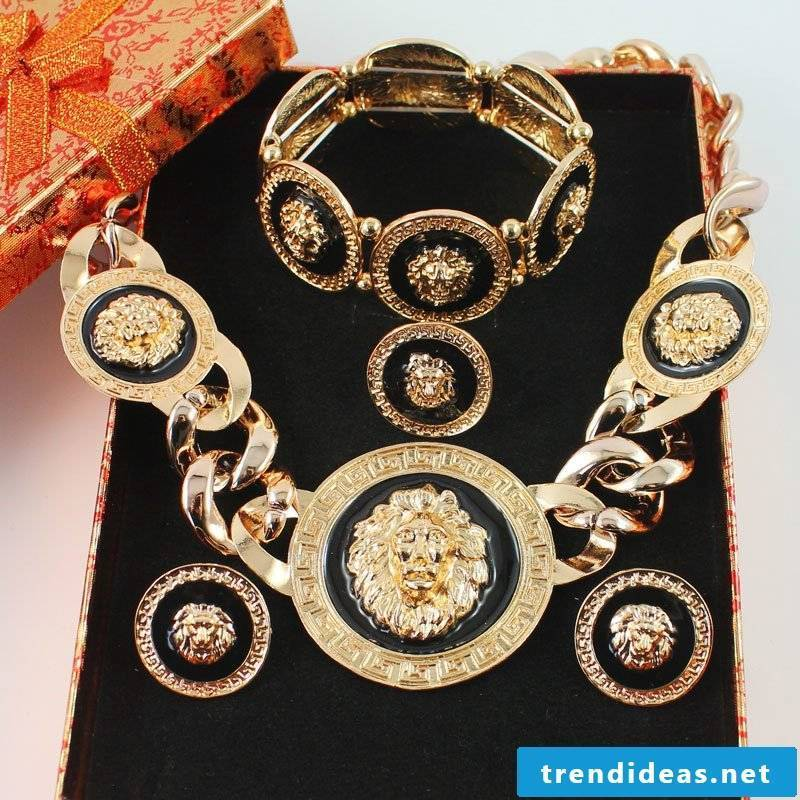medusa costumes jewelery