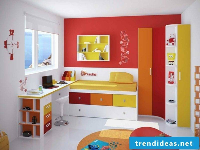 children's room in red and green