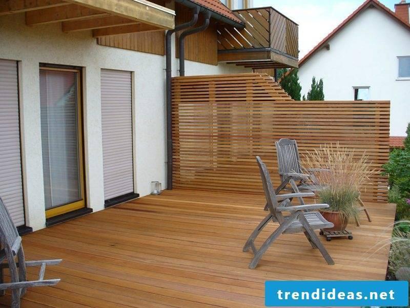 Balcony border made of wood