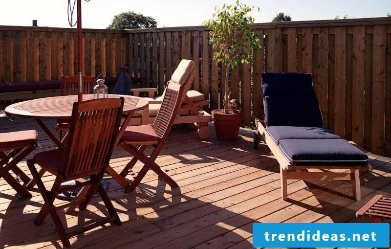 Balcony border wood covering