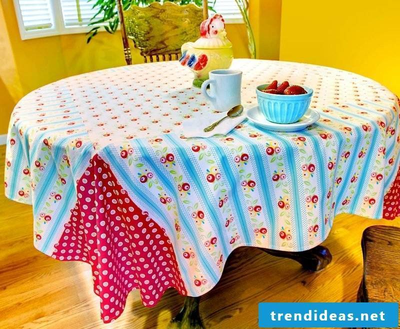tablecloth-near-0584-20100415-5dmkii-img_0675_4_3_2_adjust-13_b