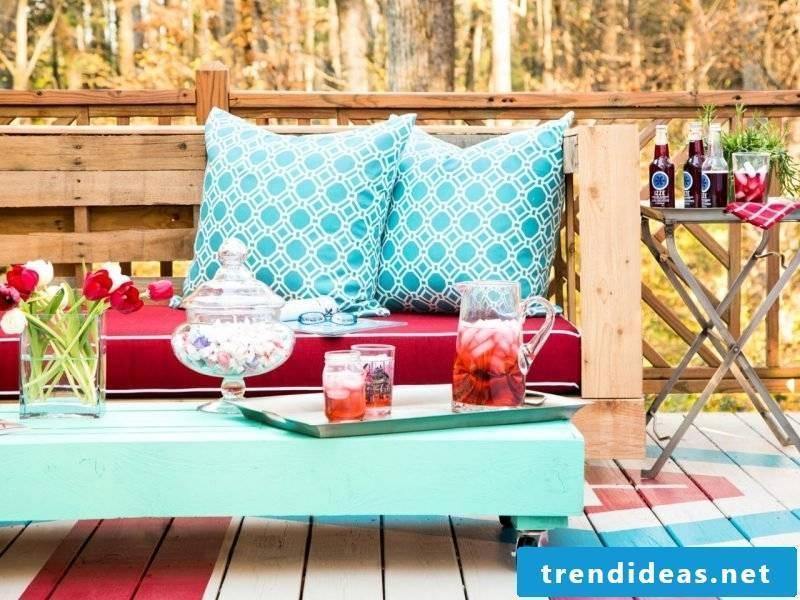 Sofa made of Euro pallets DIY ideas